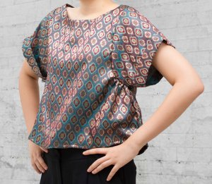 batwing top front