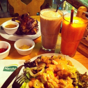 Cumamih : Roasted Chicken - Ice Chocolate , Istrinya : Mix Juice - Mix Salad *Jomplangdotcom*