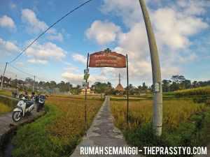 Rumah Semanggi - entrance