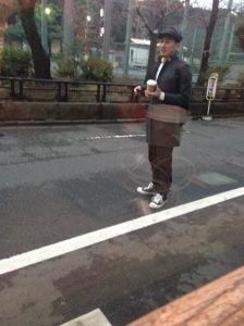 Hahahaha bisa2nya ogut photo orang random yah.. ini diketemukan pas lagi di Yoyogi Little Nap Coffee .. Salah satu customernya begini bentukannya :D